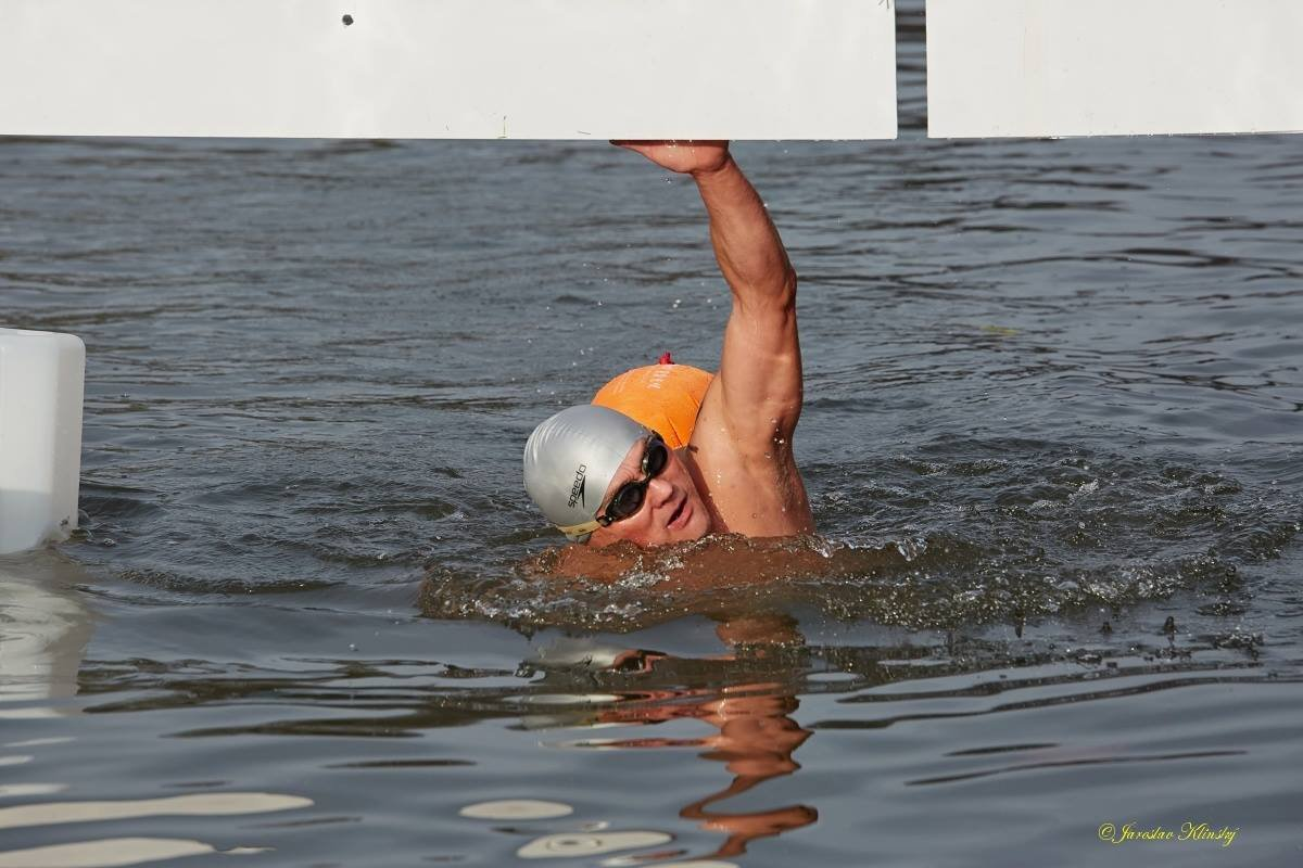 Jiri Kurina finishes his 1 km ice swim, photo courtesy J. Klinsky