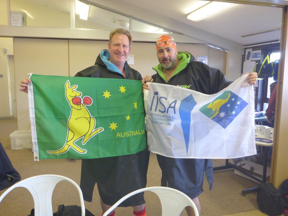 Aussie expats flying the flag!